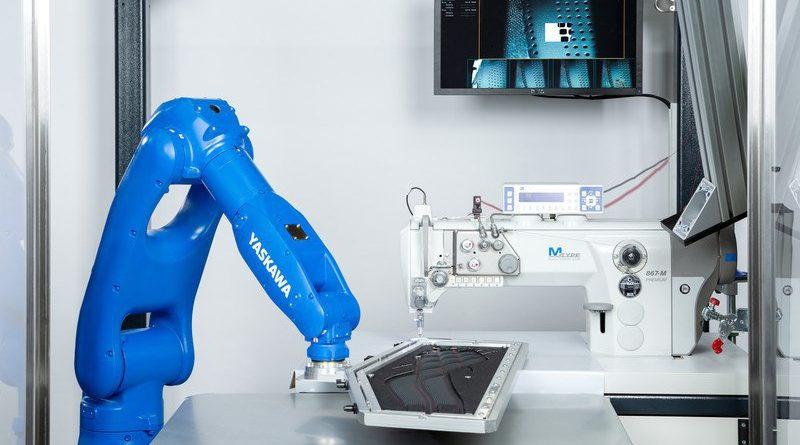 ترکیب تکنولوژی جدید روبات ها با ماشین های دوخت